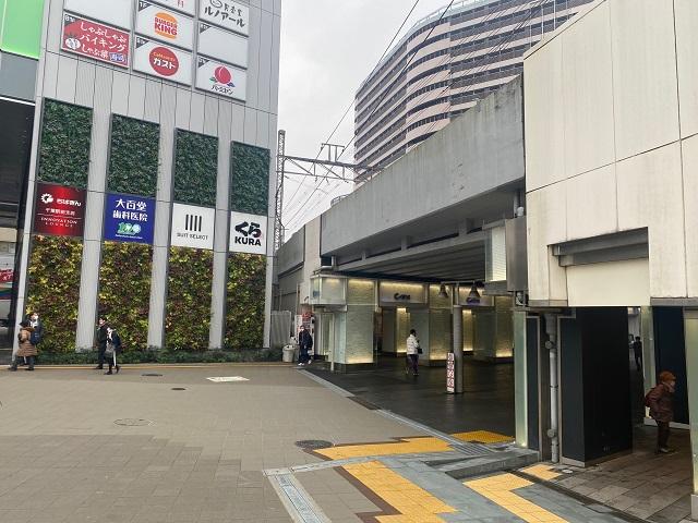 ④京成千葉駅・新町方面の看板を右に曲がります。