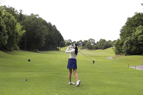 ゴルフ好き女性