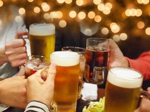 ビール乾杯食べ歩き