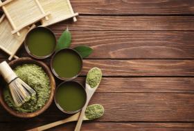 美味しい抹茶の点て方を習う