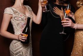 年下女性とパーティー