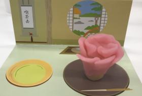 和菓子作りを楽しむ