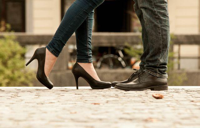 婚活パーティーに履いていくべき靴とは?