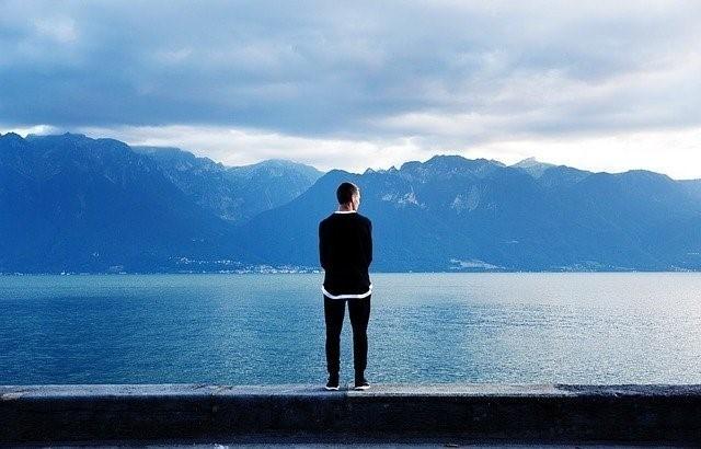 孤独感を抱く理由と婚活中の対策