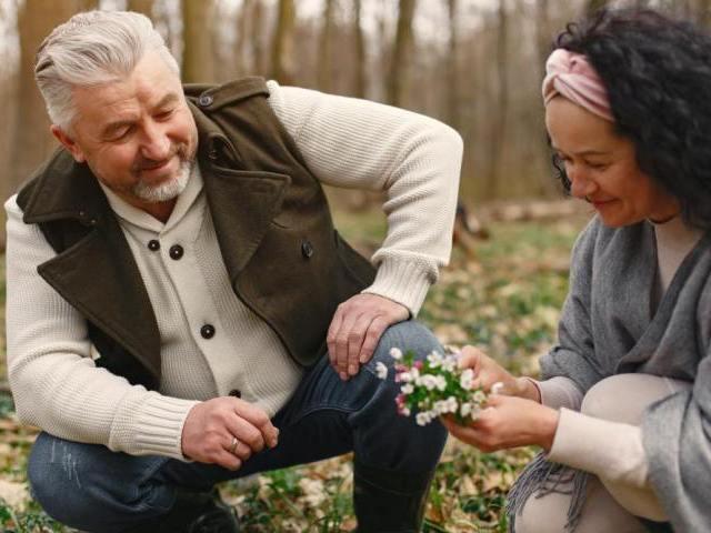 シニアが婚活でパートナーを見つけるためのポイント