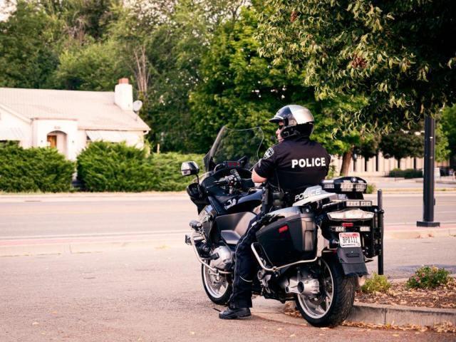 警察官の仕事内容と女性から人気を集める魅力とは?