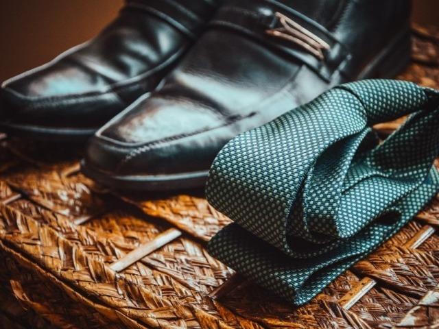 婚活パーティーは、スーツと私服を使い分けよう