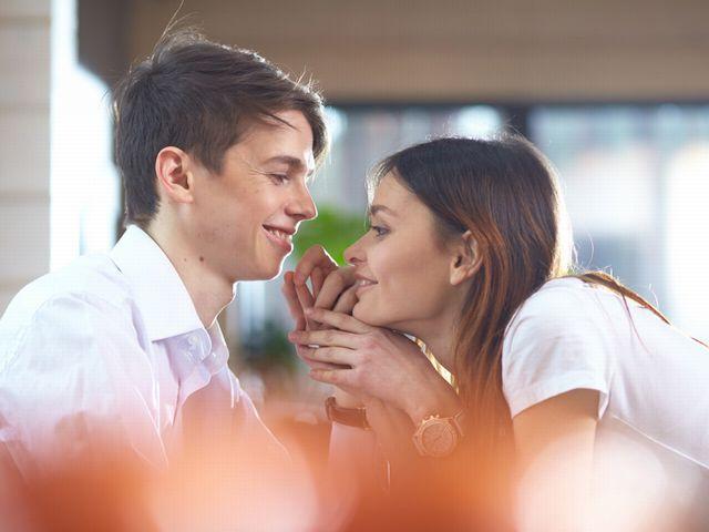 今や恋愛成就には欠かせない「恋コスメ」とは