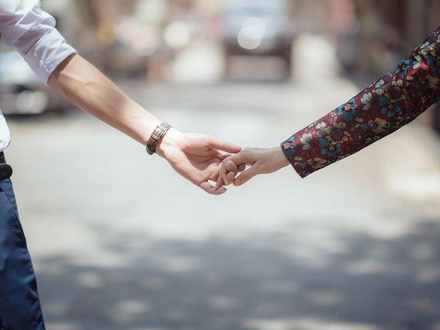 学校や職場での出会いと婚活での出会いはどう違う?