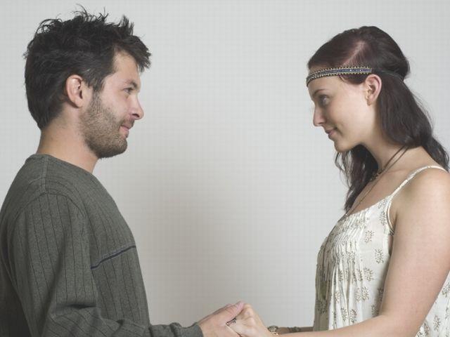 合コンが苦手な人でも婚活パーティーならお相手が見つかる理由