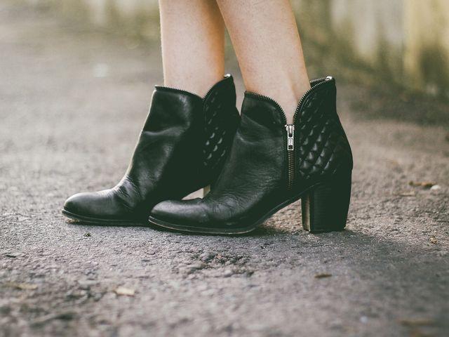 婚活パーティーにブーツを履いていく際の注意点