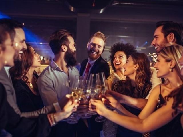 結婚式から良い出会いに発展させるためのポイントと注意点