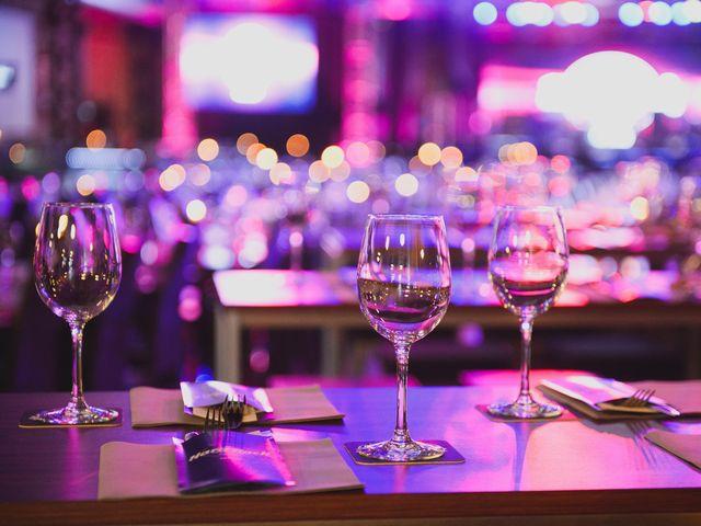 ホテル・高級レストランで行われる婚活パーティーの服装